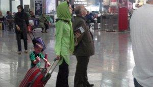 touristIranAirport_small.jpg
