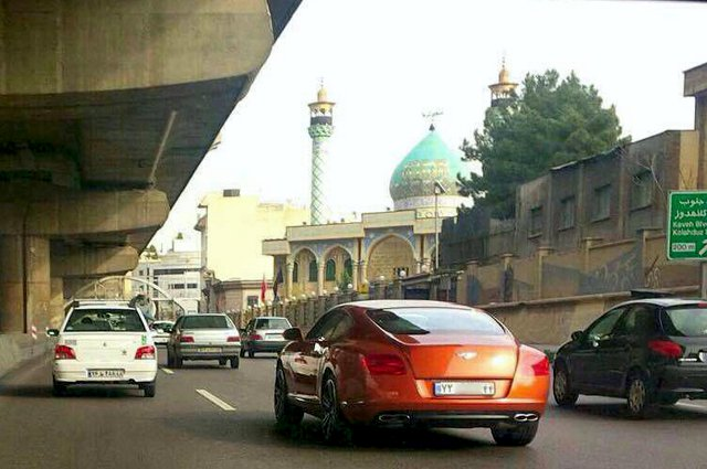 Bentley_In_tehran.jpg