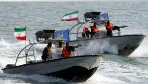 iranianSpeedBoats-small.jpg