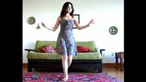 girl_dancing_11102017.jpg