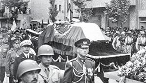 Rezashah_Funeral.jpg