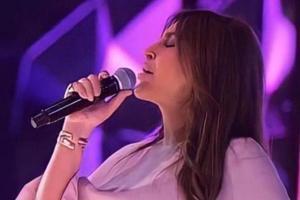 singer_102221.jpg
