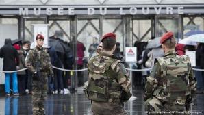 louvre_terrorist.JPG